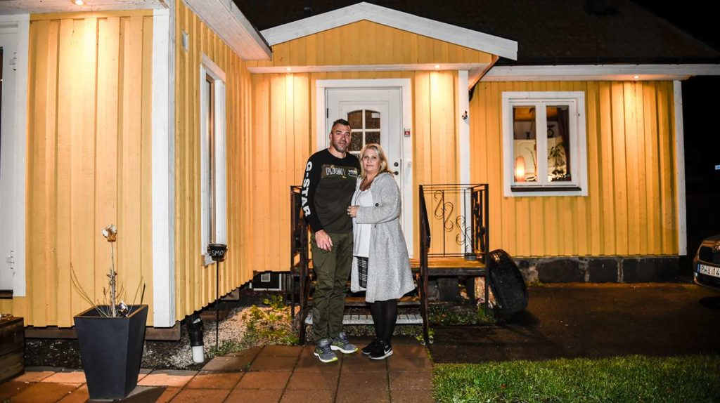 Monika and André have set up their common home outside of Kristianstad, but feel that something is missing – a common child